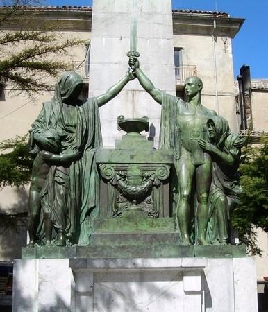 PETRALIA SOPRANA: IL MONUMENTO AI CADUTI AVRA` UNA NUOVA PAVIMENTAZIONE