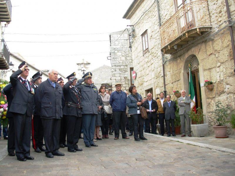 PETRALIA SOPRANA. 4 NOVEMBRE IN RICORDO DI UNDICI VITTIME CIVILI DELLA SECONDA GUERRA MONDIALE.