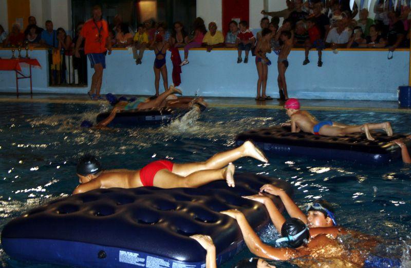 ALIA (PA): E...state in piscina 2013