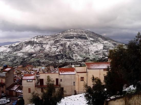 Alia, vigilia di Natale con la neve