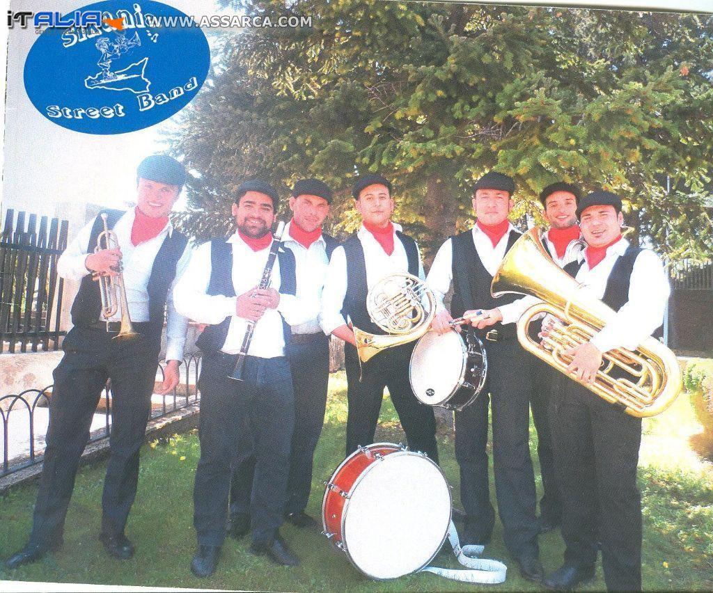 """Gruppo Folk """" Sikania Street Band """""""