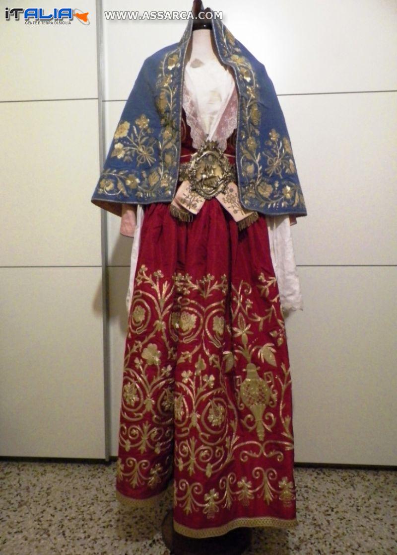 VESTITO  DI PIANA DEGLI ALBANESI