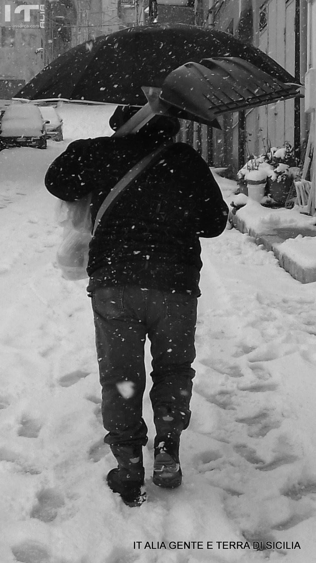 La neve in b/n
