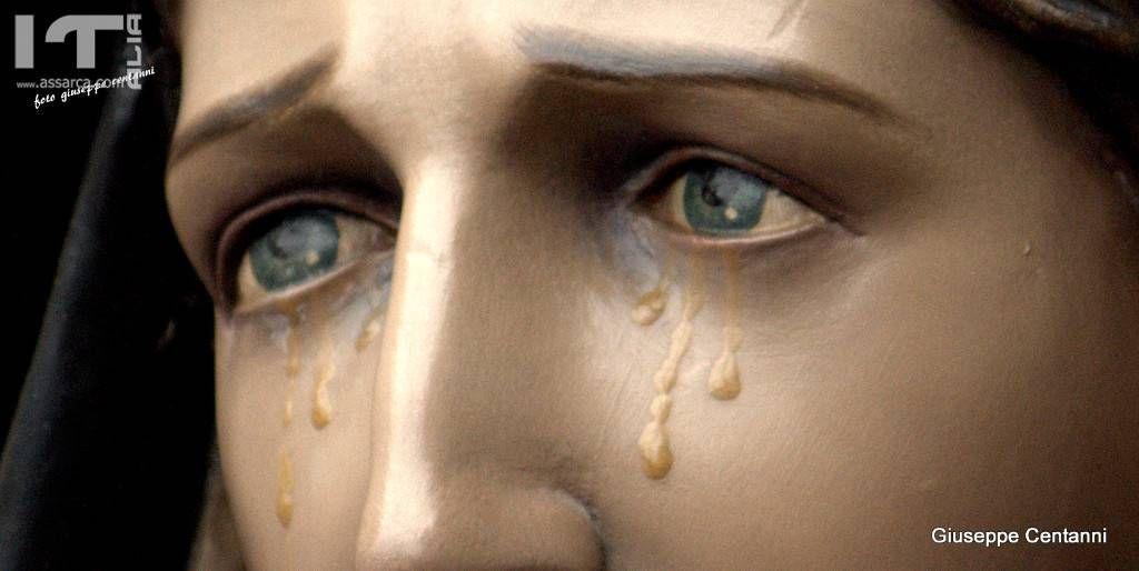 Particolare gli occhi di Maria SS. Addolorata