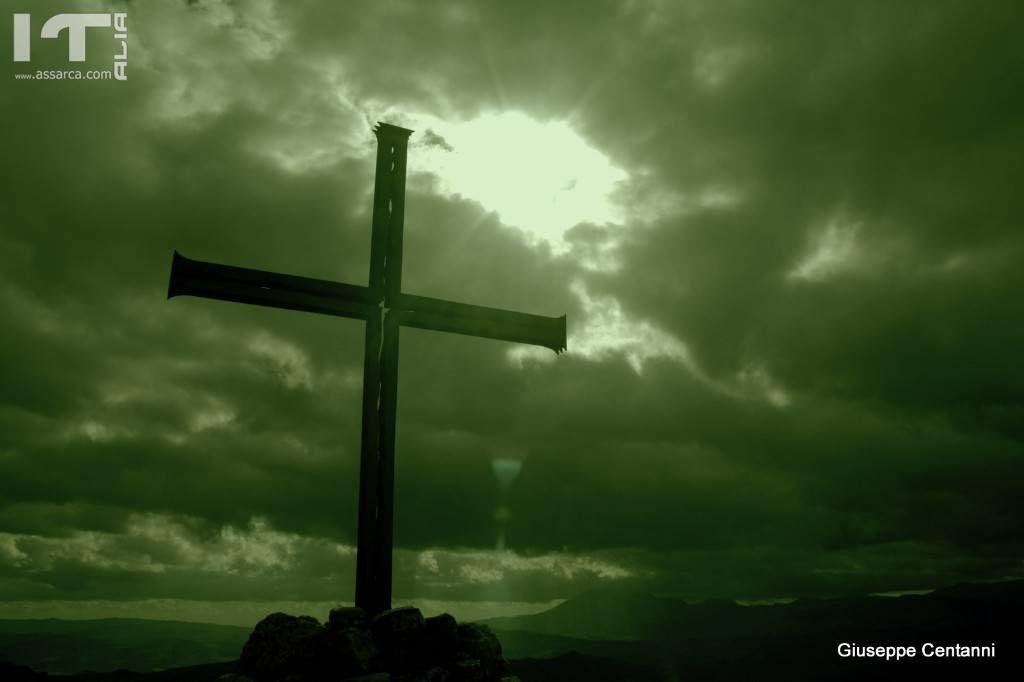La croce situata sul Monte Roxiura