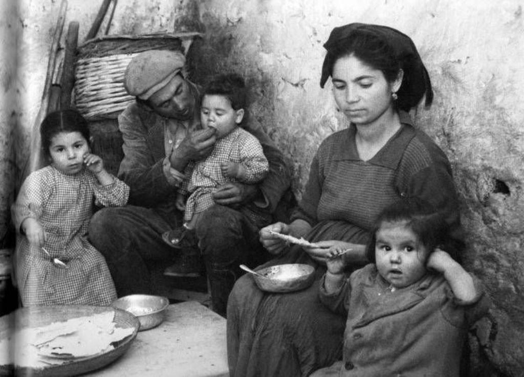 Famiglia Siciliana ( foto dal Web)