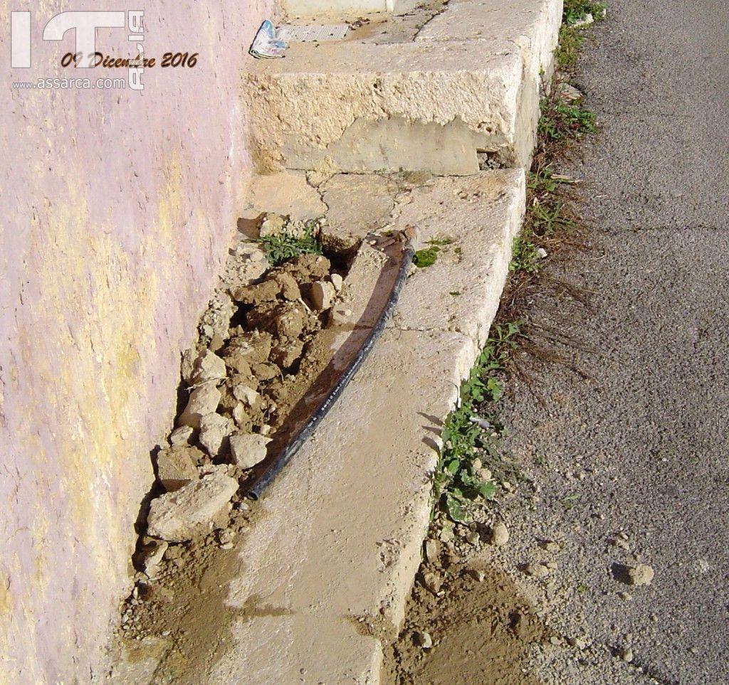 Finalmente riparata la perdita d`acqua in Via R Pilo angolo vicolo  Saia.