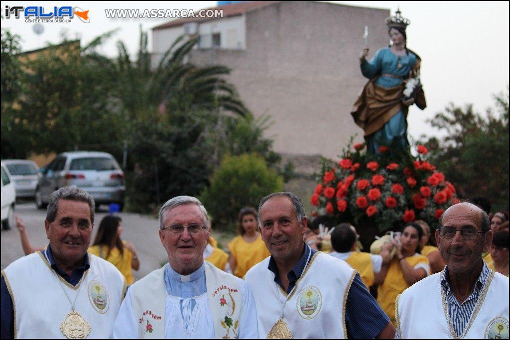 Foto ricordo con Padre Cosimo D`Amico.