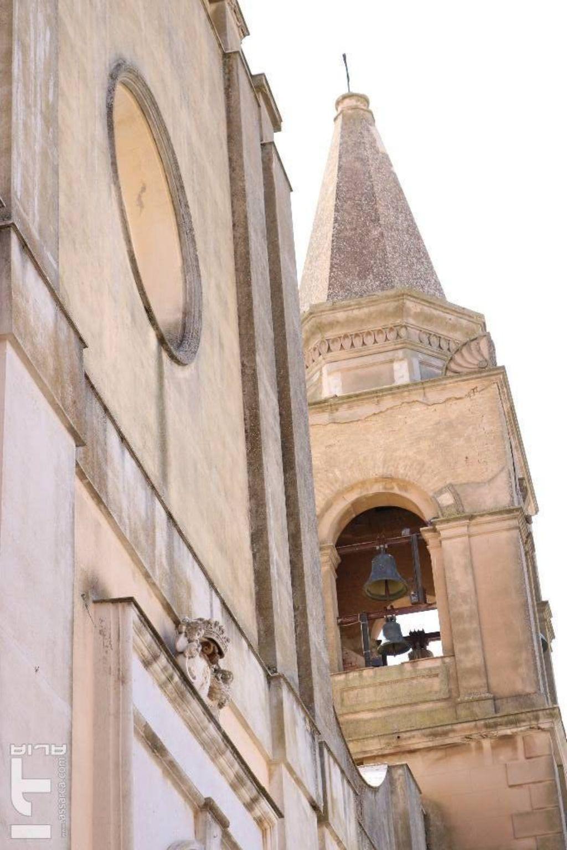 Prospettiva del  campanile della chiesa di Sant` Agata.