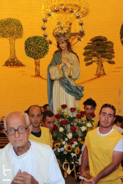 La madonnina del Villaggio Chianchitelli,con Padre Antonino Di Sclafani