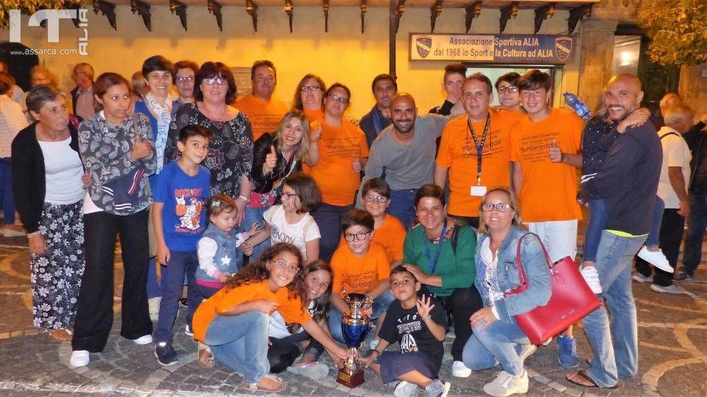 """La squadra """" Funtanedda """" vincitrice del primo Palio dei Quartieri."""