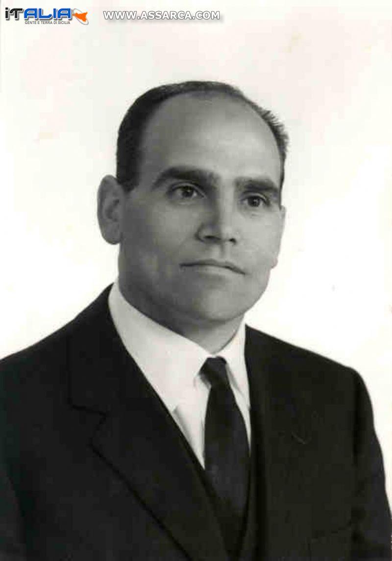 Sig. Stefano LI SACCHI - portiere dello stabile.