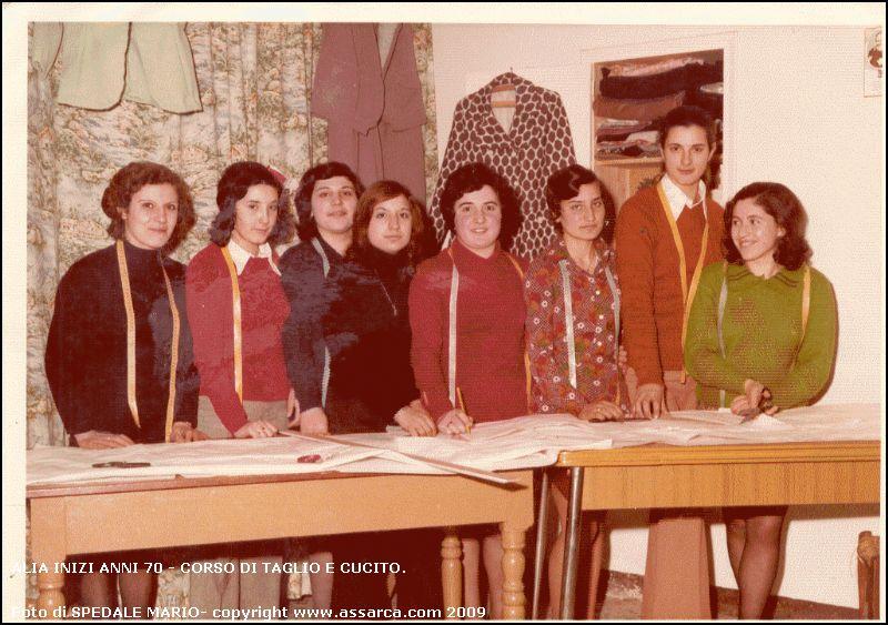 Alia inizi anni 70 - Corso di taglio e cucito.