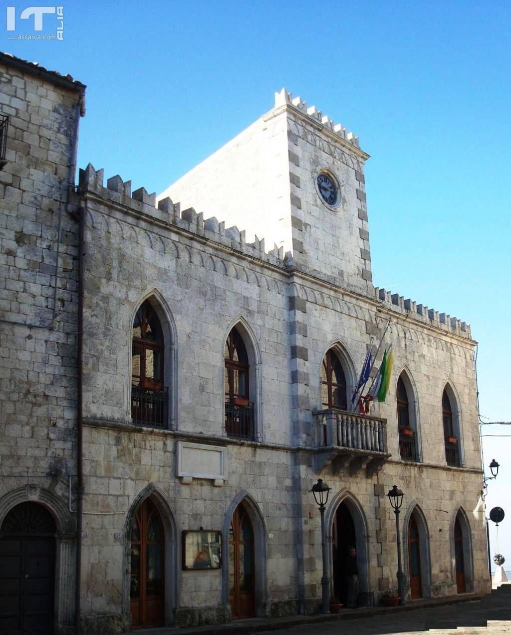 Facciata principale palazzo municipale