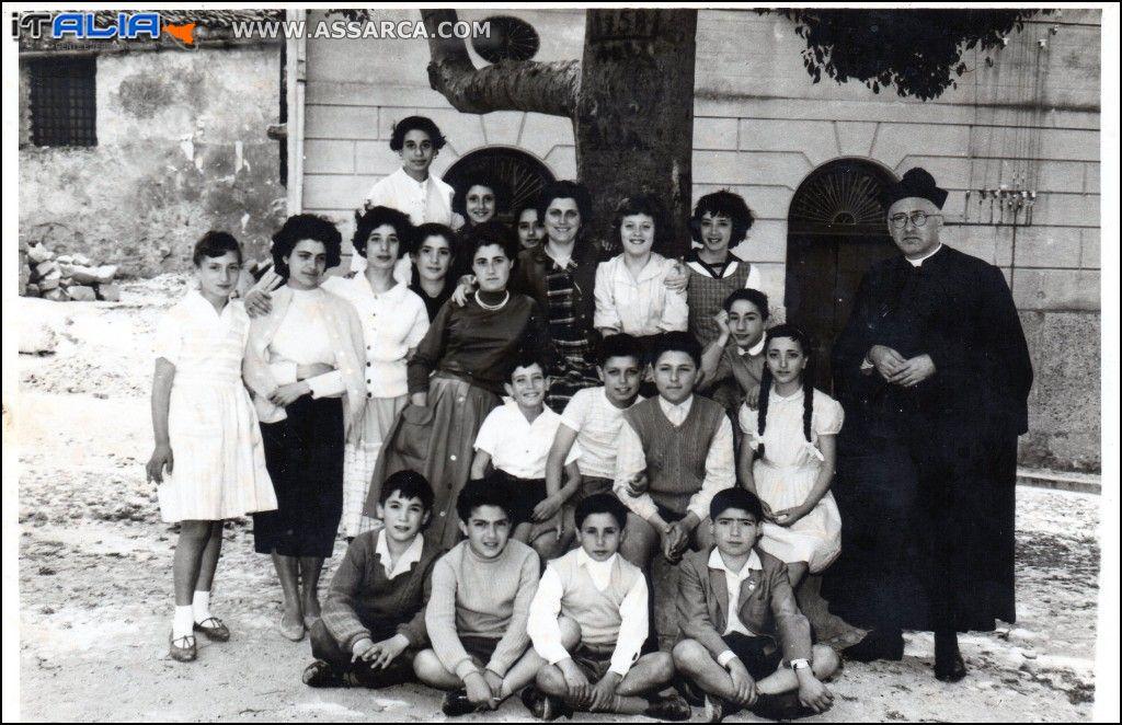 Scuola Media Parificata Cortile Sant`Elia  anno  1960